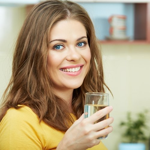 Drinking water is an effective means of appetite suppression.