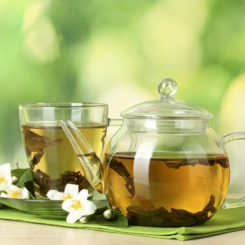 Green tea is good for the health in various ways. Here's what you need to know.